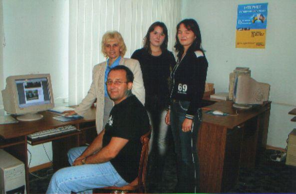 Василь Лопух під час відвідин бібліотеки у 2006 році
